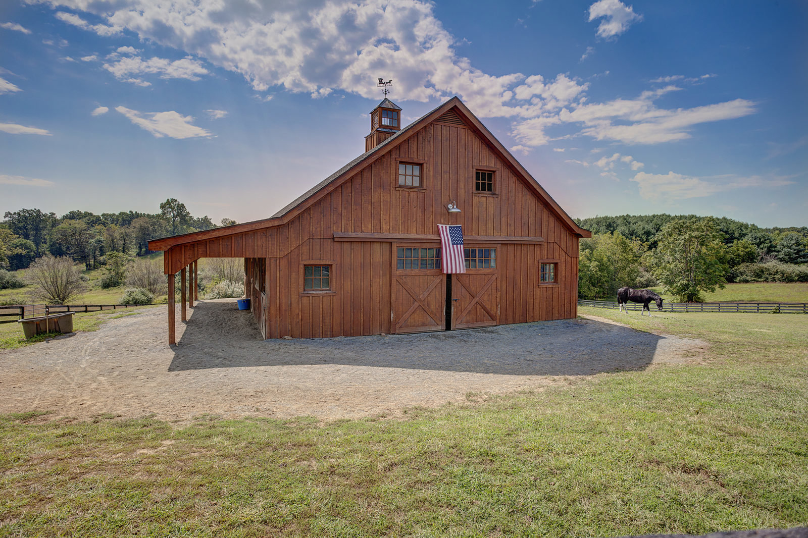 Four Stall Barn with Hayloft