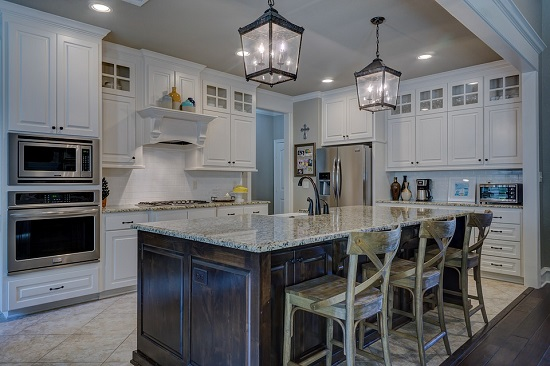 If your kitchen needs to be remodeled before you can sell it, consider the kitchen preferences of today's Lake Havasu homebuyer as part of your design.