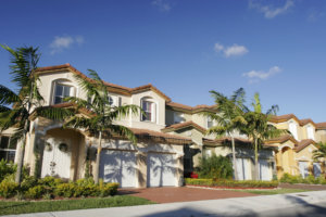 A Beautiful House For A Single Family With Palm Trees